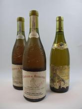 3 bouteilles 2 bts : CHÂTEAUNEUF DU PAPE 1994 Château de Beaucastel. Vieilles vignes (blanc, étiquettes tachées)