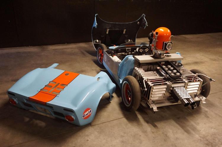 ford gt 40 junior evocation de la voiture camera du film l. Black Bedroom Furniture Sets. Home Design Ideas