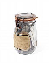 ARMAN (1928-2005) ORDURES AU NATUREL - 1972 Accumulation de déchets dans bocal à conserve