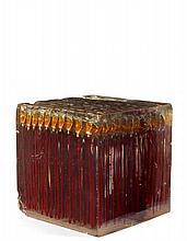 ARMAN (1928-2005) SANS TITRE (TUBES DE PEINTURE) - 1966 Accumulation de tubes de peinture rouge dans résine polyester
