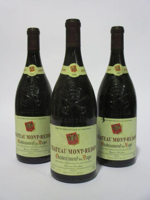 3 magnums CHATEAUNEUF DU PAPE 1998 Château Mont Redon (rouge) (étiquettes léger déchirées) (cave 6)