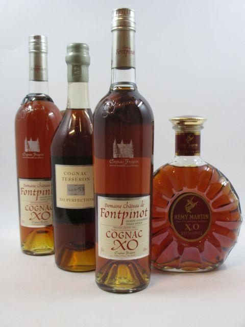 4 bouteilles 1 bt : COGNAC REMY MARTIN XO Fine Champagne (70 cl, 40°)