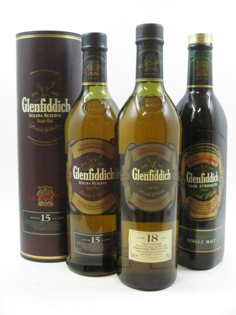 4 bouteilles 1 bt : WHISKY GLENFIDDICH 18 years old. Ancient Reserve Single Malt Scotch Whisky. Oak aged (70 cl, 40°)