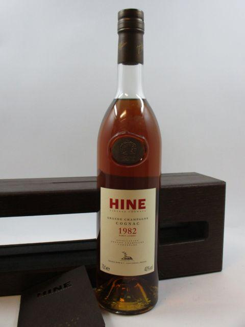 1 bouteille COGNAC HINE 1982 Grande Champagne