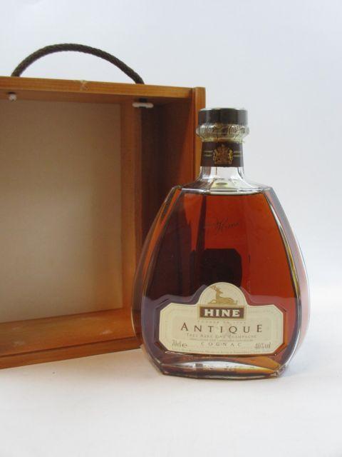 1 bouteille COGNAC HINE ANTIQUE (70 cl