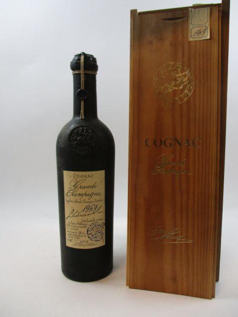 1 bouteille COGNAC LHERAULT 1969 Grande Champagne (Mis en bouteille en 2007, édition limitée bouteille numérotée