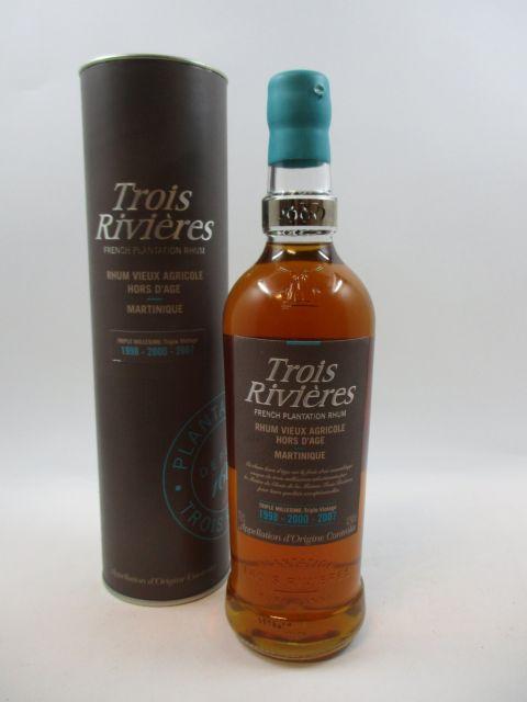 1 bouteille RHUM TROIS RIVIERES Triple millésime 1998 - 2000 - 2007