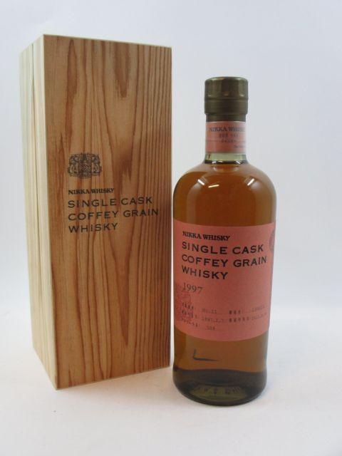 1 bouteille WHISKY NIKKA 1997 Single Cask Coffey Grain (bouteille numéroté) - Japon (70 cl