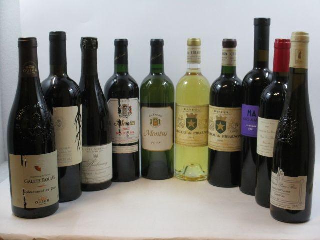 10 bouteilles 1 bt : VALLEE DU RHONE 2010 Syrah. Château Reifeng Auzias (étiquette déchirée) 1 bt : CHATEAUNEUF DU PAPE 2009 Gale...