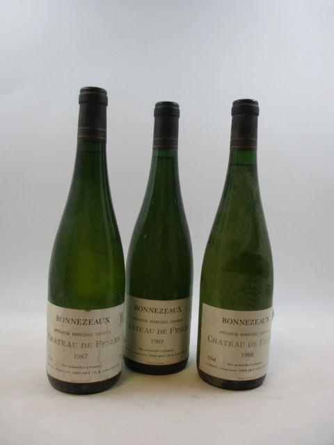 9 bouteilles 1 bt : BONNEZEAUX 1987 Château des Fesles (étiquettes très abimées, déchirées)