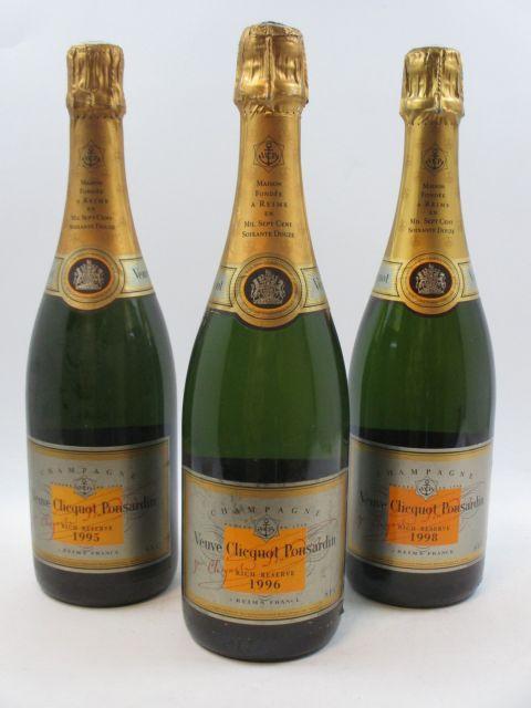 3 bouteilles 1 bt : CHAMPAGNE VEUVE CLICQUOT 1995 Rich Reserve