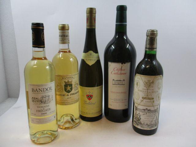 7 flacons  2 bts : BANDOL 2009 Domaine de la Frégate (blanc) 2 bts : BANDOL 2009 Château de Pibarnon (blanc) 1 mag : CHÂTEAU CAL...