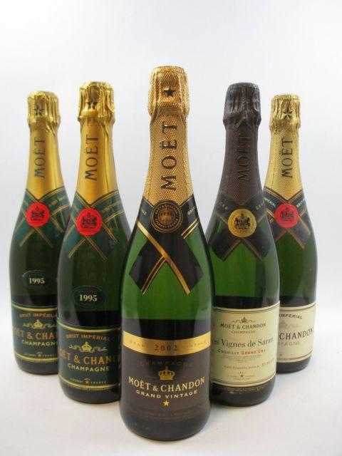 5 bouteilles 2 bts : CHAMPAGNE MOET & CHANDON 1995 Brut Impérial Etuis d'origine