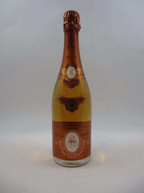 1 bouteille CHAMPAGNE CRISTAL ROEDERER 1996 Rosé (cave 11)