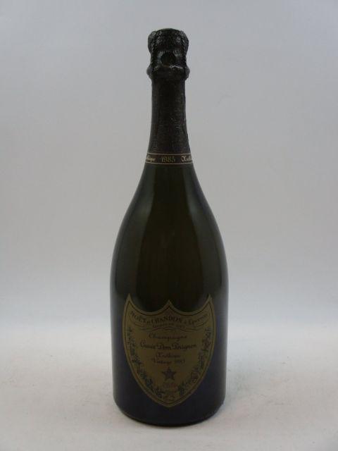 1 bouteille CHAMPAGNE DOM PERIGNON 1985 Oenothèque  (cave 12)