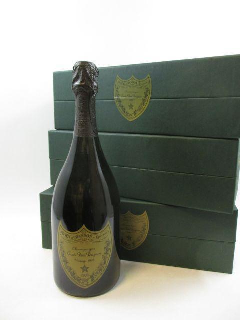 3 bouteilles CHAMPAGNE DOM PERIGNON 1995 Brut Etui d'origine (cave 12)