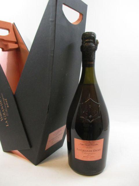 1 bouteille CHAMPAGNE VEUVE CLICQUOT 1995 Cuvée La Grande Dame Rosé Etui d'origine (cave 12)