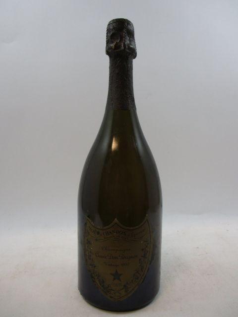1 bouteille  CHAMPAGNE DOM PERIGNON 1990  (étiquette abimée) (cave 3)