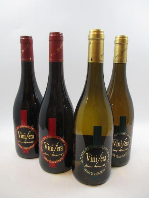 12 bouteilles  6 bts : TOURAINE 2010 Vinifera Gamay. Domaine de la Charmoise. Henry Marionnet (vigne franche de pied plantée en 1992...