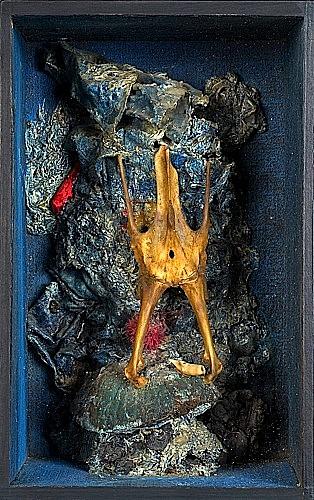 Bernard REQUICHOT (1929-1961) RELIQUAIRE DE CHAUVE-SOURIS, 1955 Technique mixte et ossement dans boîte