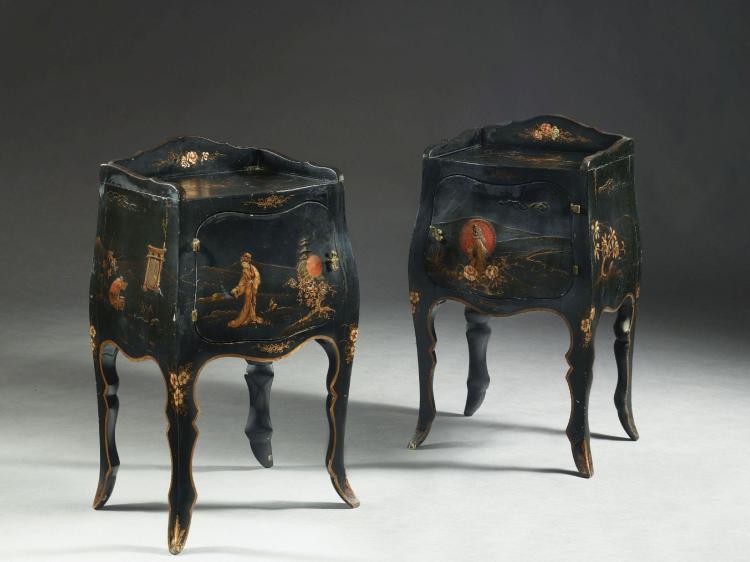 paire de tables de chevet de style rococo travail moderne. Black Bedroom Furniture Sets. Home Design Ideas