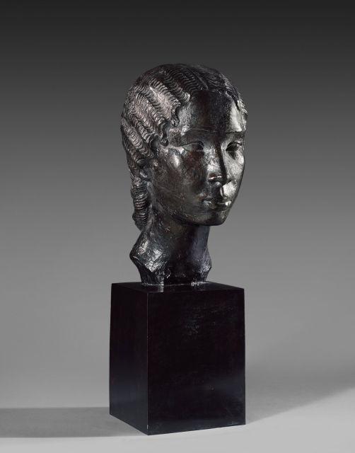 Anna QUINQUAUD 1890 - 1973 Tête de jeune fille Hova Bronze à patine brune