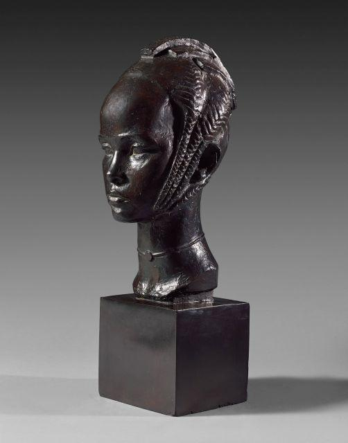Anna QUINQUAUD 1890 - 1973 Aïssatou, femme de Mamadou Alpha ou femme Foulah Bronze à patine brune
