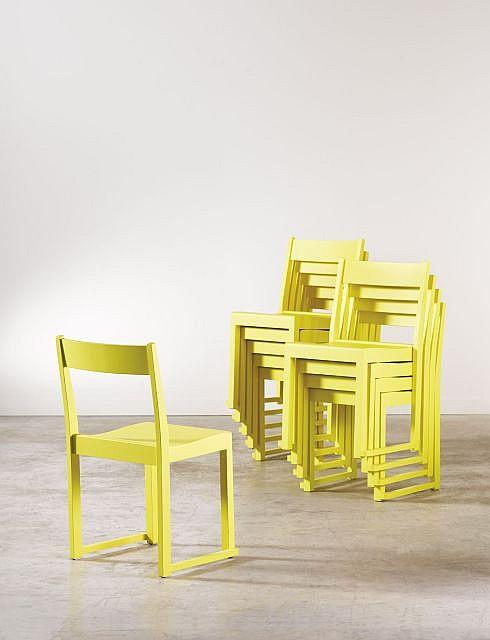 Sven MARKELIUS (1889 - 1972) Suite de dix chaises - 1932 Bouleau massif laqué jaune