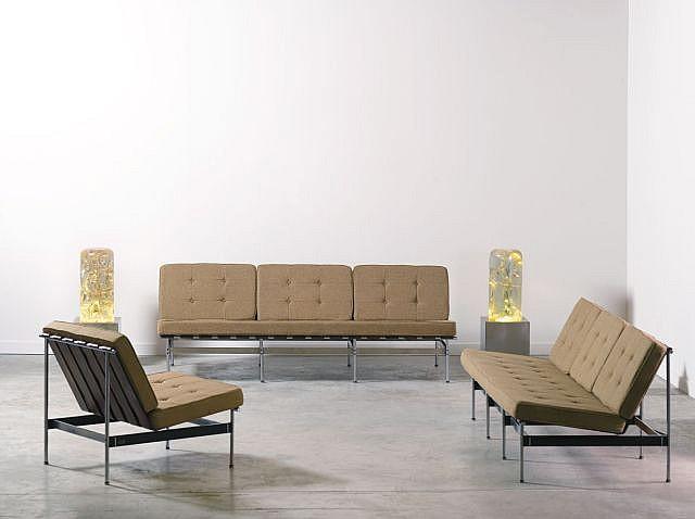 KHO LIANG LE (1927 - 1975) Salon composé de deux canapés et d'une chauffeuse