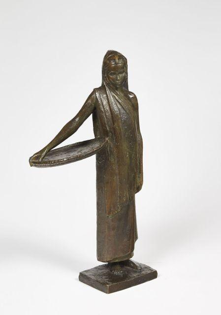 Anna QUINQUAUD 1890 - 1984 FEMME PITA AU PANIER, 1930 Bronze à patine brune