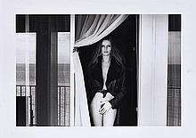 Helmut NEWTON 1920-2004 Veruschka on the Terrace of the Presidential Suite, Hotel Meridien, Nice - 1975 Épreuve argentique