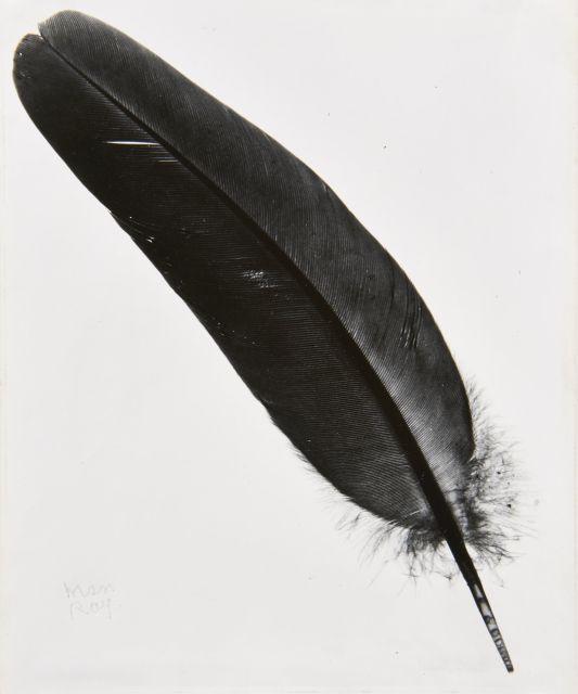 MAN RAY (1890-1976) Plume - vers 1945 Épreuve argentique d''époque