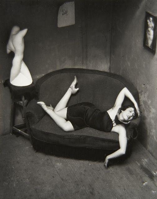 André KERTESZ (1894-1985) Satiric Dancer, Paris - 1926 Épreuve argentique