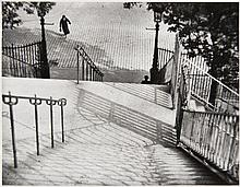 André KERTESZ (1894-1985) Montmartre - 1926 Épreuve argentique (c. 1970)