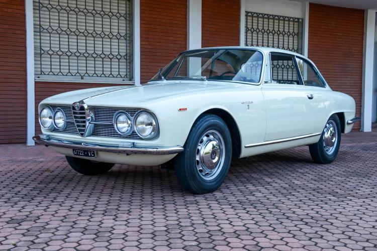 1962 alfa romeo 2000 sprint bertone - Alfa romeo coupe bertone 2000 a vendre ...