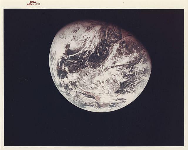 NASA / William ANDERS (Né en 1933) MISSION APOLLO 8: LA PREMIERE VUE INTEGRALE DE LA TERRE PRISE PAR UN ASTRONAUTE, LE 21 DECEMBRE 1...