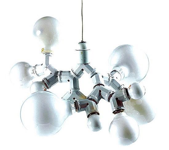 Mathieu MERCIER (Né en 1970) LAMPE, DOUBLE-DOUILLE, 1999 Ampoules, doubles-douilles et f...