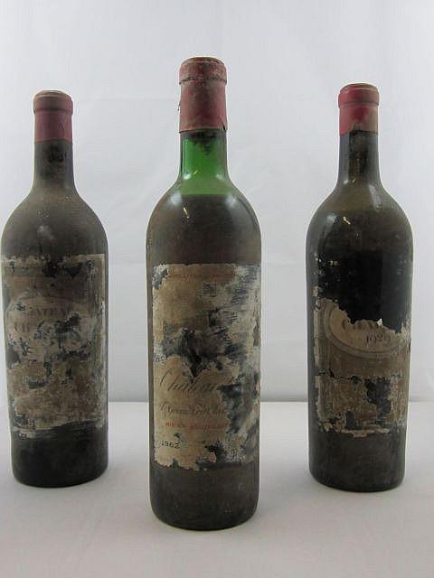 3 bouteilles 2 bts : CHÂTEAU CHAUVIN 1929 Saint Emilion - mise négoce, mise Nicolas (1 mi-épaule et 1 basse épaule, étiquettes totaleme