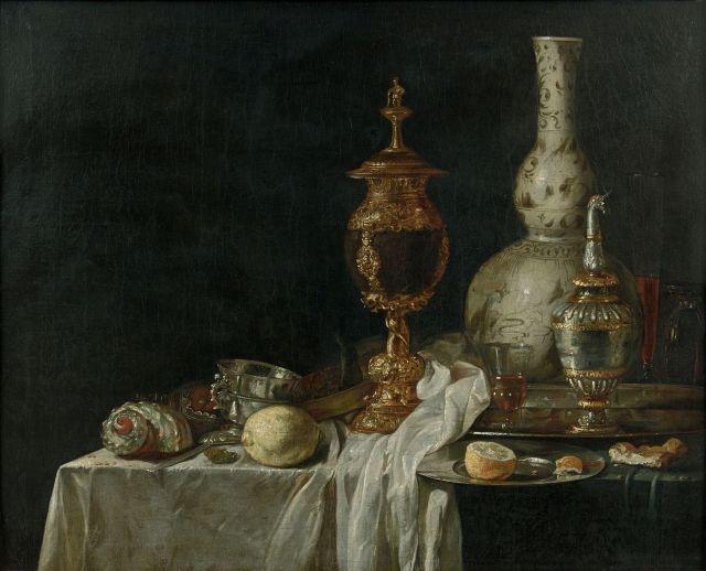Ecole hollandaise de la seconde partie du XVIIe siècle Entourage de Willem Kalf Vase d'orfèvrerie, vase en porcelaine de Chine bleu...