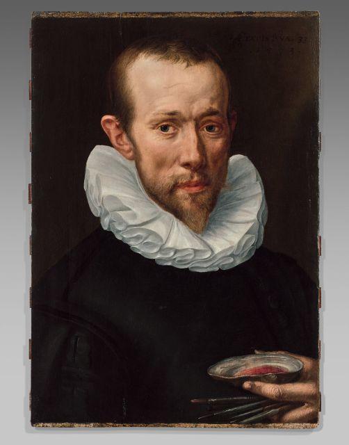 Attribué à Adriaen Thomasz. Key Anvers, vers 1545 - vers 1600 Portrait d'un artiste tenant ses pinceaux et une coquille Huile sur pa..