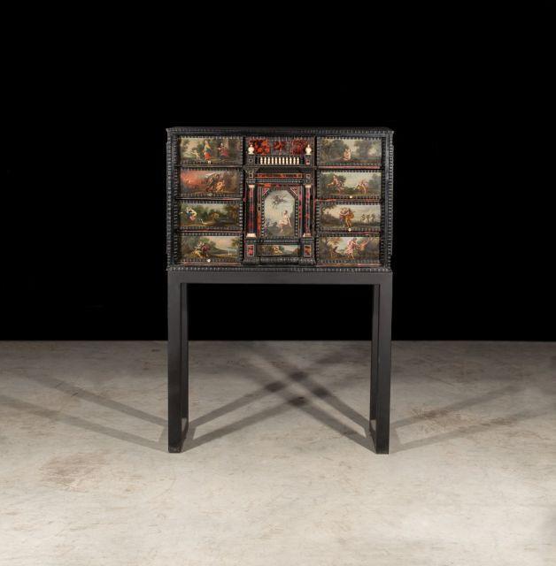 Anvers, XVIIe siècle  Cabinet en placage de bois noirci et à décor de scènes peintes
