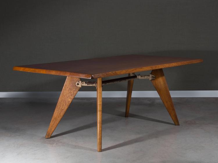 Jean prouve 1901 1984 table de salle manger dite sam b for Table salle a manger jean nouvel