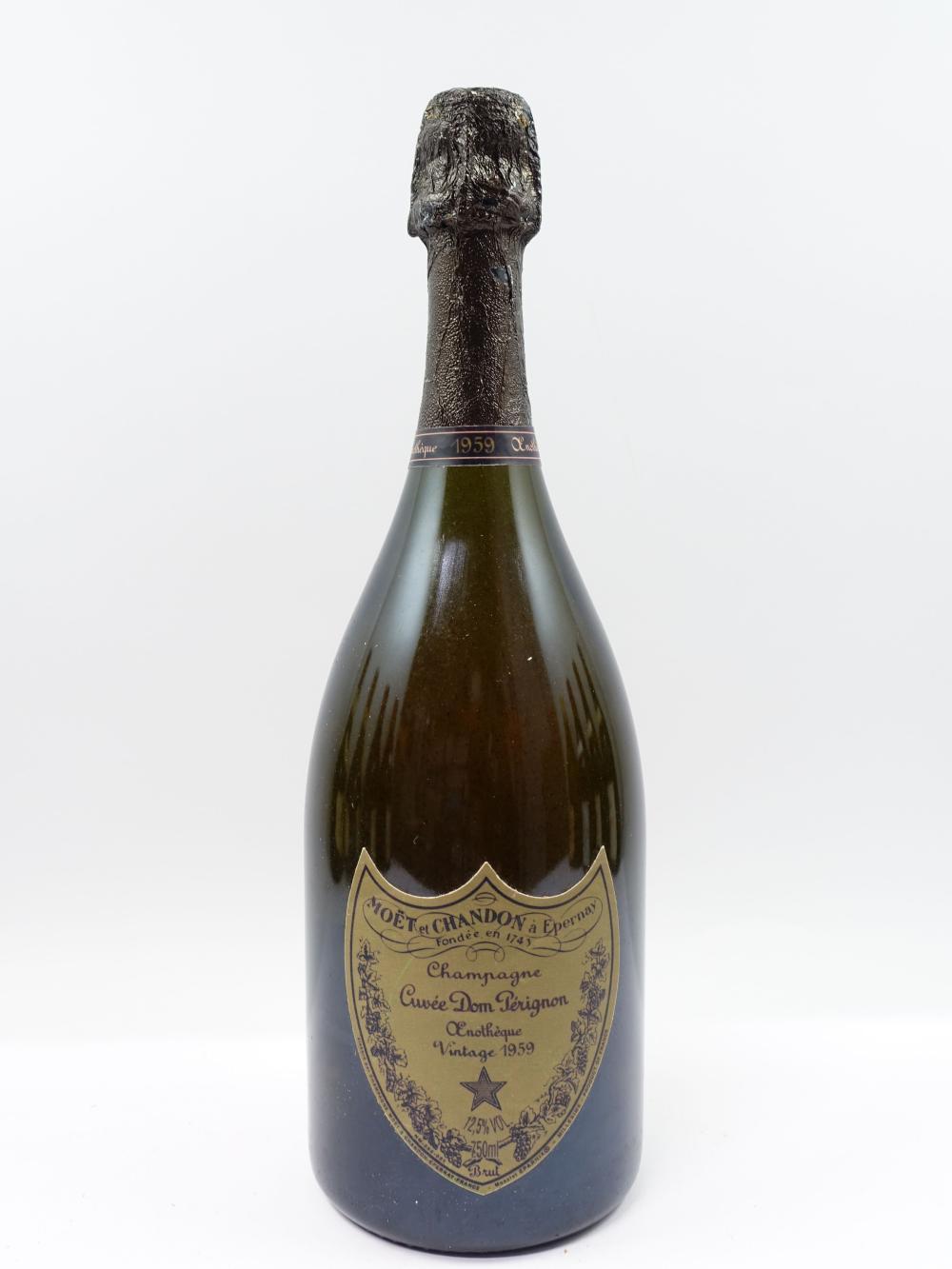 1 bouteille CHAMPAGNE DOM PERIGNON 1959 Oenothèque (dégorgée en 1999) (étiquette fanée