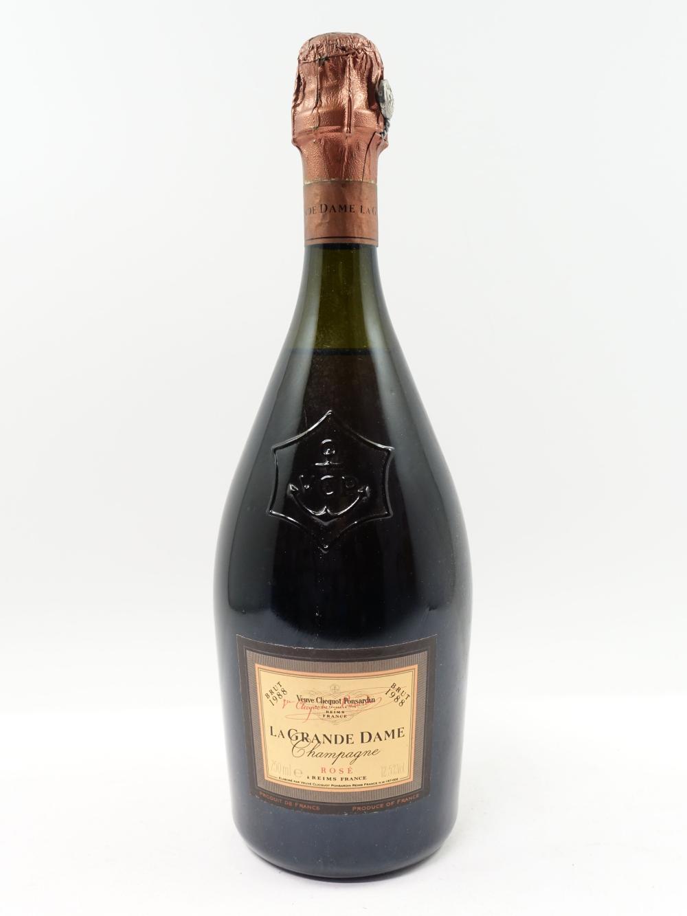 1 bouteille CHAMPAGNE VEUVE CLICQUOT 1988 La Grande Dame Rosé ( légèrement bas