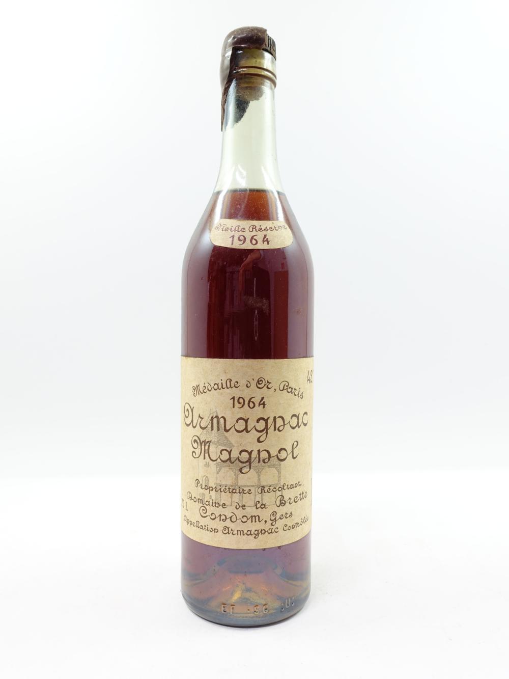 1 bouteille ARMAGNAC MAGNOL 1964 (niveau 5cm, étiquette fanée, capsule cire très cassée