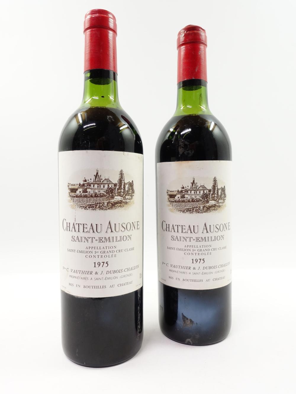 2 bouteilles CHÂTEAU AUSONE 1975 1er GCC (A) Saint Emilion (haute épaule
