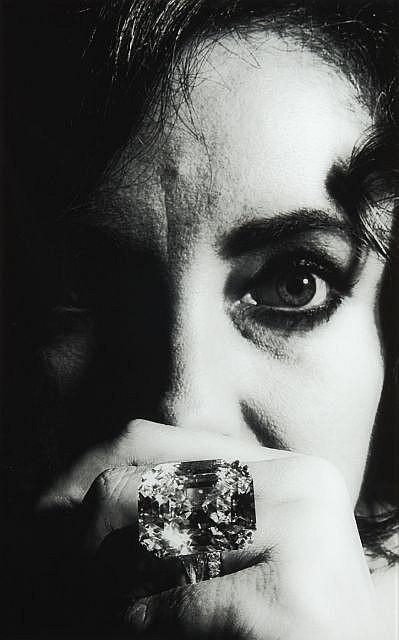 Enrico SARSINI (né en 1938) Elysabeth Taylor avec le célébrissime diamant