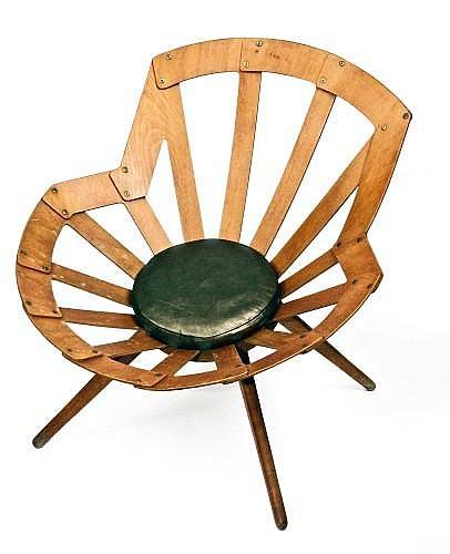 ¤ Vittorio GREGOTTI (collab. Lodovico Meneghetti et Giotto Stoppino) (Né en 1927) Chaise - circa 1955 Assise et dossier formé d'un ent