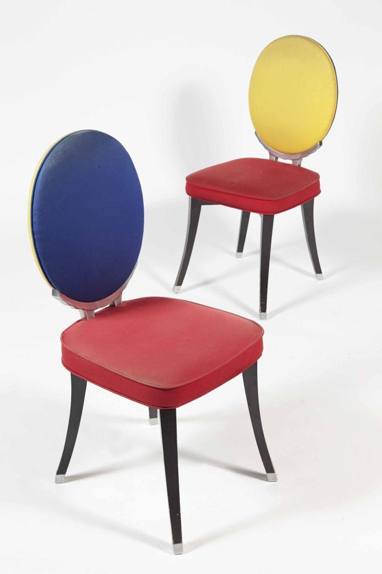 Jean charles de castelbaljac ne en 1949 paire de chaises for Chaise medaillon solde