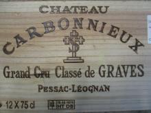 12 bouteilles CHÂTEAU CARBONNIEUX 2005 CC Pessac Léognan Caisse bois d''origine (Cave 22)